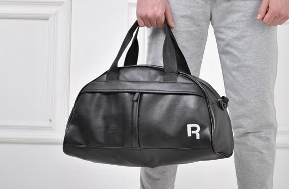 Специально для любителей динамичного образа жизни производители предлагают  большое количество спортивных сумок. В них легко можно поместить мелкий  инвентарь ... 39770159d32